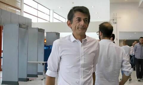 Δίκη Χρυσής Αυγής: Έξω από το Εφετείο ο Νίκος Καρανίκας