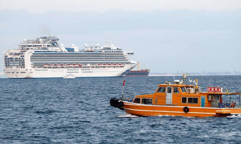 В Греции у 3 членов экипажа корабля с 150 пассажирами на борту выявлен коронавирус