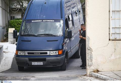 Δίκη Χρυσής Αυγής - Ποινές: Απεργούν οι σωφρονιστικοί - Προβλήματα στις μεταγωγές την Πέμπτη