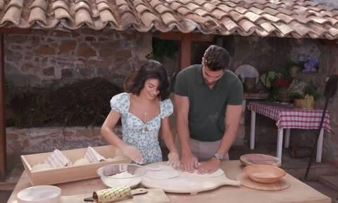 The Bachelor: Μετά την πίτσα ήρθαν τα «καυτά» φιλιά (videos)