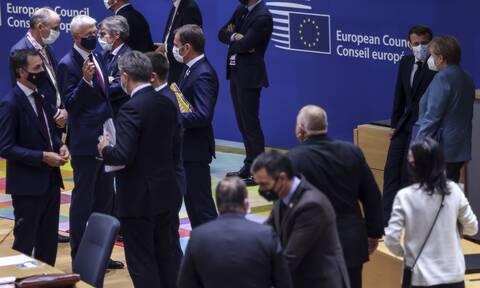 Σύνοδος Κορυφής - Politico: Ο Μισέλ ζήτησε από τους ηγέτες να παραδώσουν κινητά και tablets