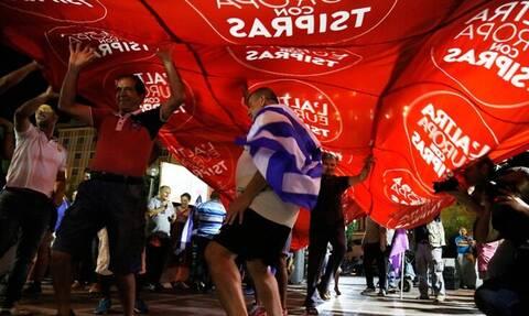 Δημοσκόπηση: Οι ψηφοφόροι του ΣΥΡΙΖΑ είναι ενθουσιασμένοι με τη ΝΔ