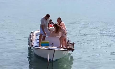 Απίθανο! Ο Bachelor και η Μαγδαληνή ψάρεψαν δολώνοντας ολόκληρο ακροβάτη...