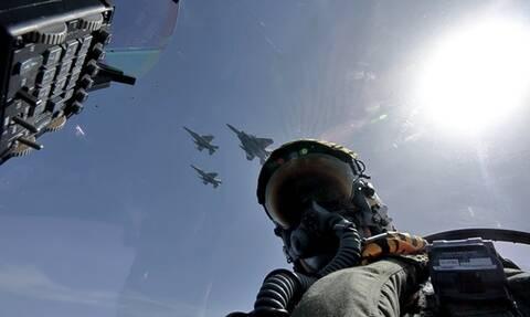 Χαμός πάνω από το Αιγαίο: «Εισβολή» τουρκικών μαχητικών - Τους πήραν στο... κυνήγι οι Έλληνες
