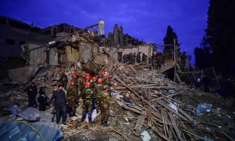Αζερμπαϊτζάν: Τουλάχιστον 12 νεκροί και 40 τραυματίες στην Γκαντσά- Βομβαρδίζεται ξανά η Στεπανακέρτ