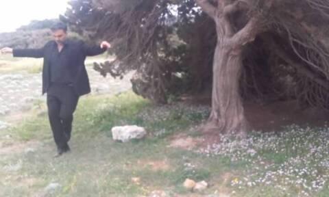Εκπληκτικό βίντεο: Χορεύει Κρητικά με τους ρυθμούς όλου του κόσμου!