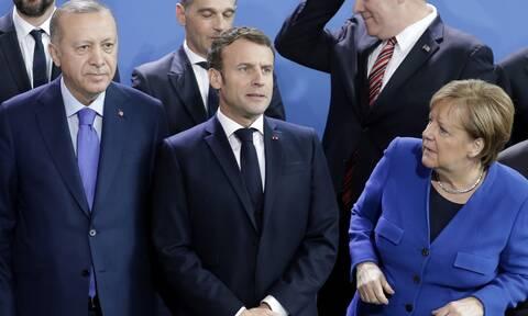 Σε συμπληγάδες ο Ερντογάν: Ο Μακρόν... ξύπνησε Μέρκελ και Βρυξέλλες - Κρίσιμες οι επόμενες ημέρες