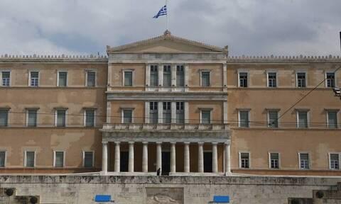 Κορονοϊός: Κρούσματα και στην Βουλή – Θετικοί δύο υπάλληλοι
