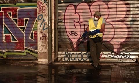 Κορονοϊός: «Κύκλωσε» την Ελλάδα - Ανησυχία σε τέσσερις πόλεις