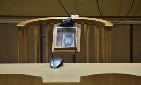 Ηράκλειο: Έσφαξε τον πρώην μπροστά στο νυν - Αναβιώνει το στυγερό έγκλημα