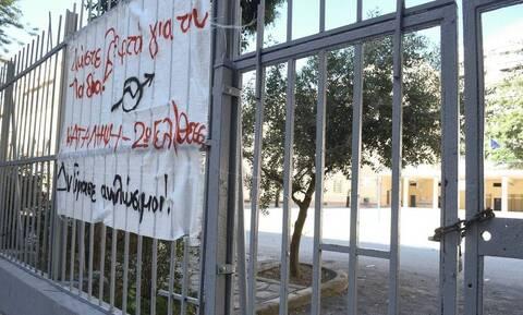 Οργή για τη σύλληψη 14χρονου μαθητή στο Χαλάνδρι – Τι λέει η μητέρα του