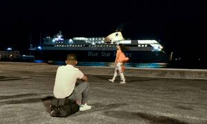 Κορονοϊός: Συναγερμός στο Blue Star Delos - Επέστρεψε στον Πειραιά με 24 ύποπτα κρούσματα
