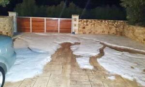 Κακοκαιρία: Το «έστρωσε» στα Χανιά - Χαλάζι και θυελλώδεις άνεμοι «σάρωσαν» την πόλη