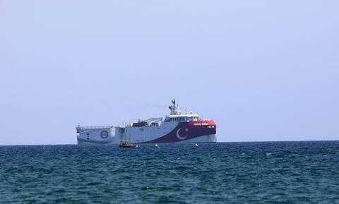 Παιχνίδια από Τουρκία: Με κλειστό πομπό πλέει προς το Καστελόριζο το Oruc Reis