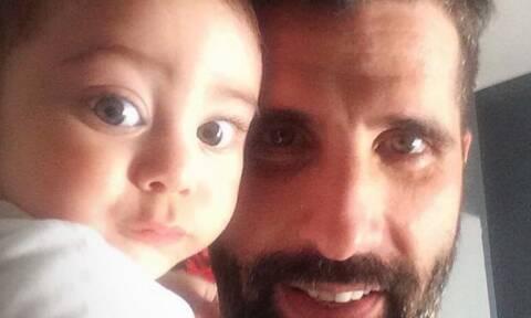 Θανάσης Βισκαδουράκης: Ένας τρυφερός μπαμπάς - Δείτε τον με τον γιο του