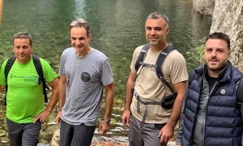 Κυριάκος Μητσοτάκης: Πεζοπορία στη Σαμοθράκη για τον Πρωθυπουργό
