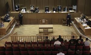 Δίκη Χρυσής Αυγής: Ραγδαίες εξελίξεις - Η Πρόεδρος «άδειασε» την Εισαγγελέα