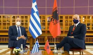 Κίνηση - ματ από την Ελλάδα: Στη Χάγη οι θαλάσσιες ζώνες με την Αλβανία