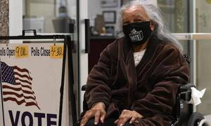 Αμερικανικές εκλογές: 94χρονη ταξίδεψε περισσότερα από 1.000 χλμ. για να ψηφίσει