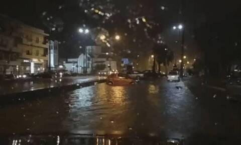 Κακοκαιρία: «Ποτάμια» οι δρόμοι σε Ρέθυμνο και Ηράκλειο - Βούλωσαν τα φρεάτια