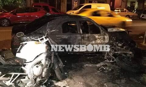 Αττική: Μπαράζ εμπρησμών τα ξημερώματα - Έκαψαν αυτοκίνητα και μοτοσικλέτες (pics)