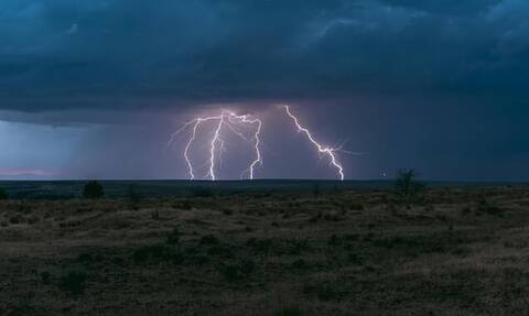 Καιρός: Έκτακτο δελτίο επικίνδυνων φαινομένων - Αυτές τις περιοχές θα χτυπήσουν ισχυρές καταιγίδες
