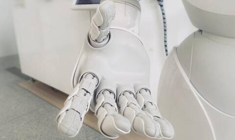 «Η επανάσταση των ρομπότ»: Οι μισές δουλειές θα γίνονται από μηχανές έως το 2025