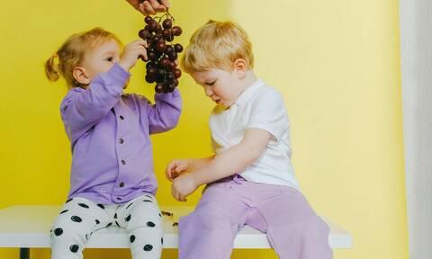 Παιδική δυσκοιλιότητα: Τροφές για να την αντιμετωπίσετε