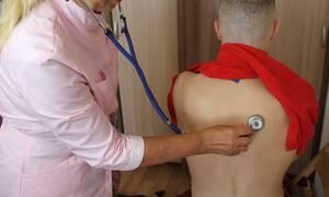 Νοσοκόμα αντάλλαξε περισσότερα από 500 ακατάλληλα μηνύματα με κρατούμενο (photos)