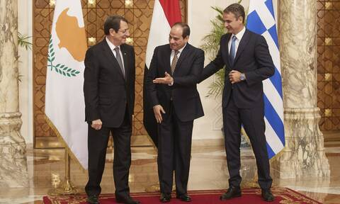 LIVE: Δείτε τις δηλώσεις Μητσοτάκη - Αναστασιάδη - Αλ Σίσι στην Κύπρο