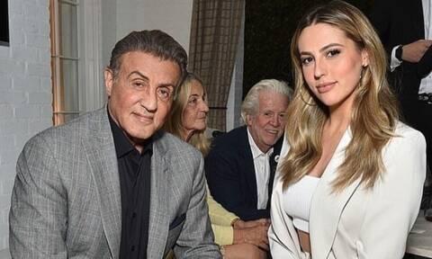 Η κούκλα κόρη του Stallone προσέχει τον μπαμπά της - Δείτε τι του έφτιαξε