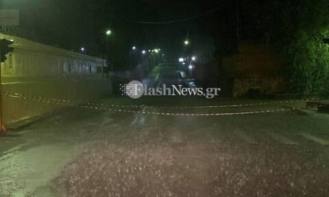 Χανιά: Οδηγοί εγκλωβίστηκαν στα αυτοκίνητα τους από την έντονη βροχότπωση