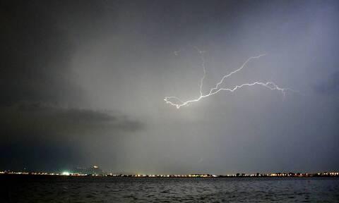 Καιρός: Βροχές και ισχυρές καταιγίδες – Ποιες περιοχές θα χτυπήσουν τα φαινόμενα