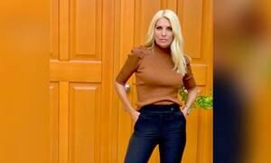 Δείτε τη Μαρίνα να φορά τα ψηλοτάκουνα της μαμάς Ελένης Μενεγάκη