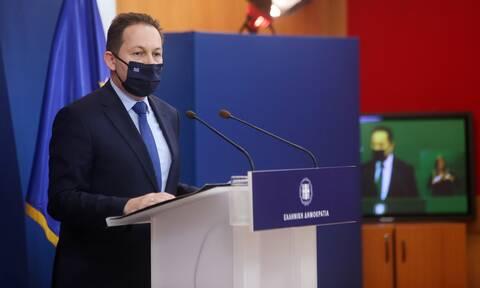 Πέτσας στο Newsbomb.gr: Δεν είναι στις επιλογές μας το lockdown