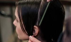 Τι θα γίνει αν βάψεις τα μαλλιά σου ενώ είναι βρεγμένα;