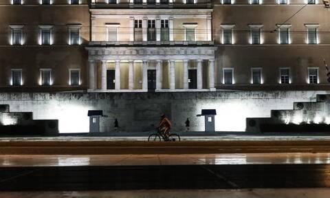 Κορονοϊός - Απαγόρευση κυκλοφορίας: Πώς θα μετακινηθείτε νόμιμα - Τι πρέπει να κάνετε