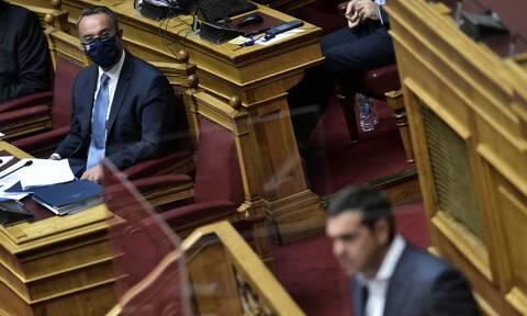 Πρόταση δυσπιστίας κατά Σταϊκούρα: Το «ματς» στη Βουλή και το αυτογκόλ Τσίπρα που βλέπει η κυβέρνηση