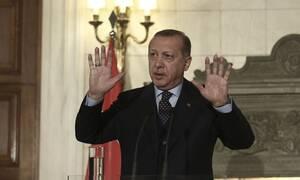 Απίστευτος Ερντογάν: Αύξησε το μισθό του κατά 8% - Δείτε πόσα χρήματα παίρνει