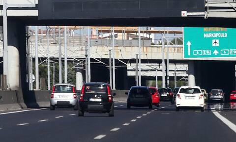Κίνηση ΤΩΡΑ: Τροχαίο στην Αττική Οδό - Ουρές και μεγάλες καθυστερήσεις