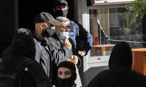 Δίκη Χρυσής Αυγής: Με χειροπέδες στις φυλακές Δομοκού Μιχαλολιάκος και «διευθυντήριο»