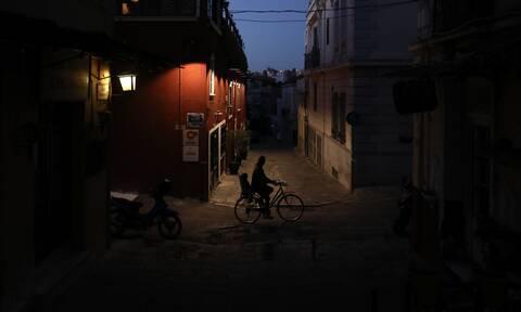 Κορονοϊός - Απαγόρευση κυκλοφορίας: Έτσι θα μετακινηθείτε νόμιμα μετά τα μεσάνυχτα - Δείτε το έντυπο
