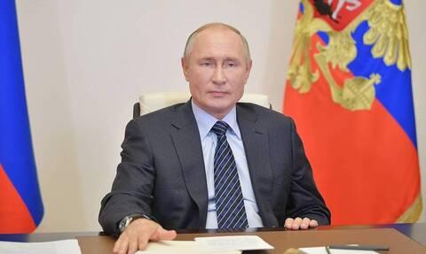 Путин заявил, что из-за пандемии регионам нужно действовать аккуратно