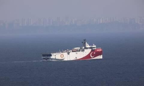 Άγκυρα για Oruc Reis: «Είναι σε τουρκική υφαλοκρηπίδα» – Κοντά στη Ρόδο το ερευνητικό