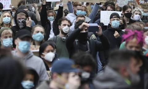 ΠΟΥ-Covid-19: Σε «επικίνδυνο μονοπάτι» ορισμένες χώρες