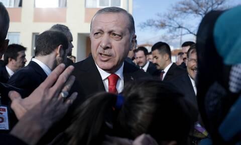 Ερντογάν: «Σπέρνει ανέμους, θα θερίσει θύελλες» - Το τέλος του πλησιάζει