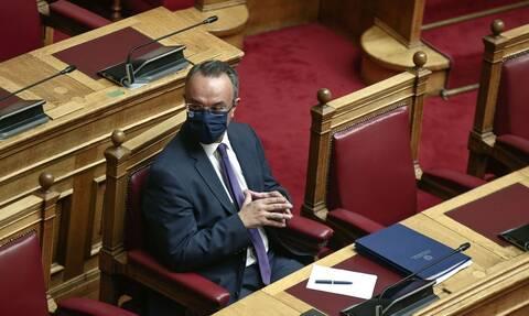 Βουλή - Πρόταση δυσπιστίας: Σε υψηλούς τόνους συνεχίζεται η συζήτηση για 2η ημέρα
