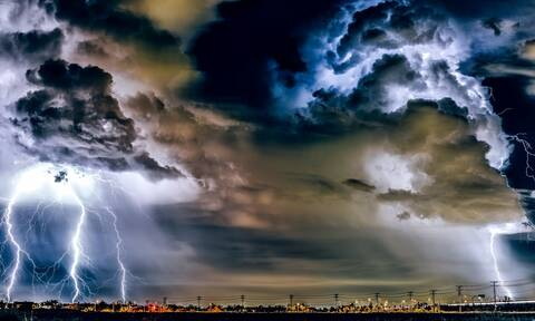 Καιρός: Βροχές και ισχυρές καταιγίδες την Κυριακή – Ποιες περιοχές θα χτυπήσουν τα φαινόμενα