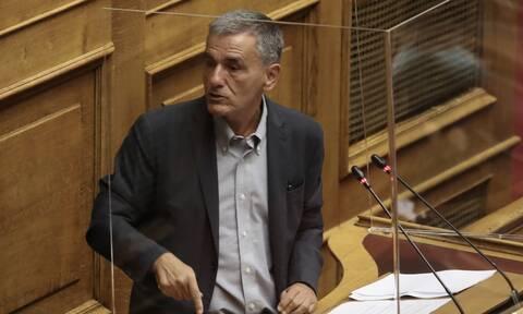 Βουλή - Τσακαλώτος: Ο Σταϊκούρας έφερε ένα νομοσχέδιο που ήθελε να κρυφτεί και να μην συζητηθεί
