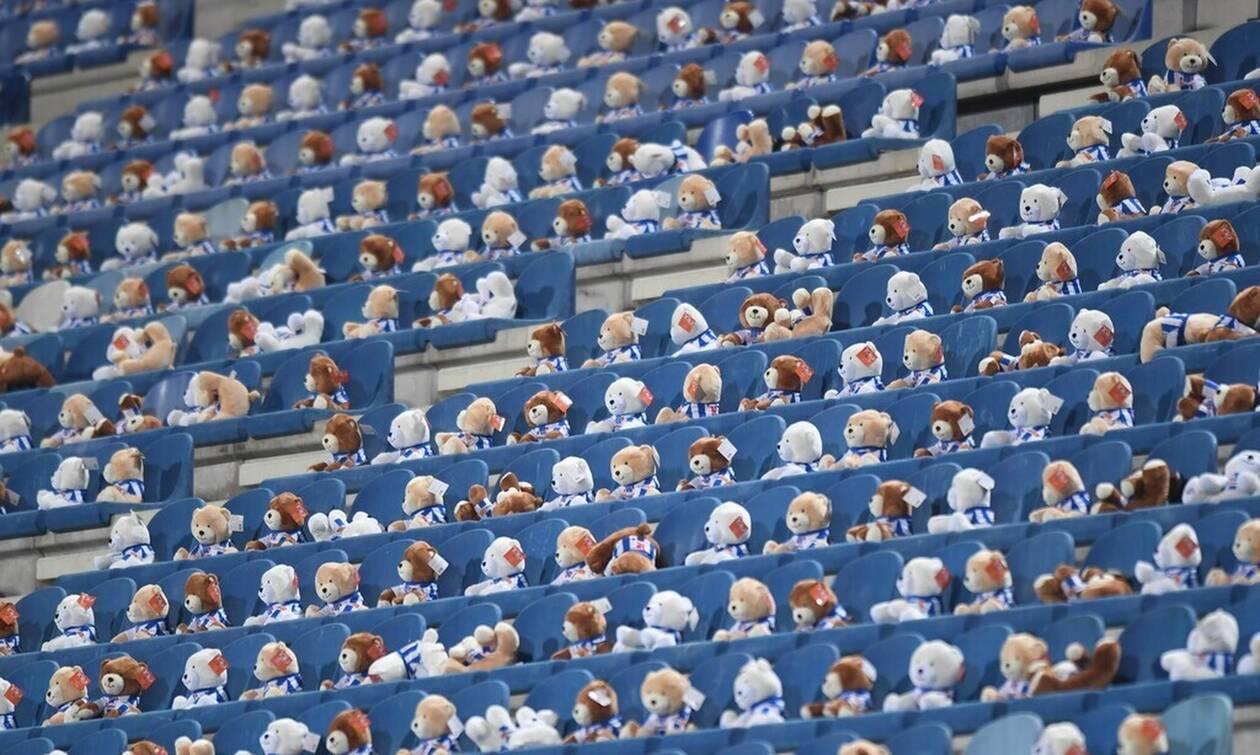 Γέμισε το γήπεδο με 15.000 αρκουδάκια - Ο λόγος πολύ σημαντικός! (vid)